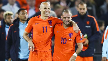 Robben, Sneijder en Gullit: stop met kunstgras