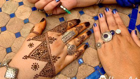 Lesje Henna tekenen