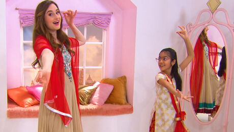 Aditi geeft Jill Indiase kook- en dansles