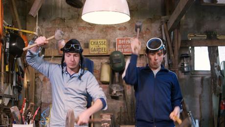In De proefkeuken bouwen Pieter en Willem een zeppelin